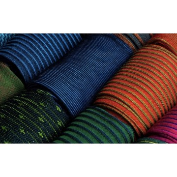 Molteplici tipologie di calze per le esigenze di lui